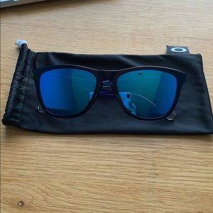 NEVER WORN Oakley frogskin sunglasses